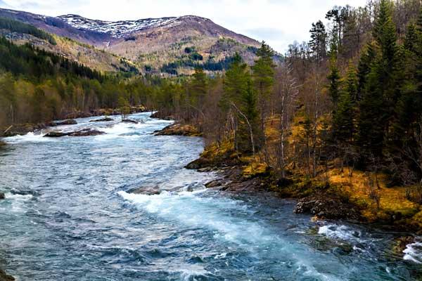 rio de gran caudal para hacer rafting