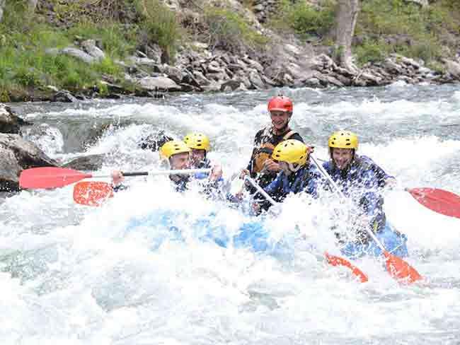 Rafting en Catalunya bajando un rio
